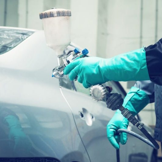 Spray,Gun,With,Paint,For,Painting,A,Car